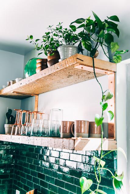 Justina-Blakeney_Jungalow-kitchen-3